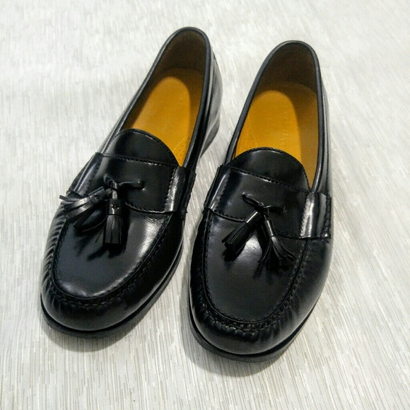 ef92cdef65c Cole Haan Other - Cole Haan Men s Pinch Tassel Loafer size 10.5 Wide